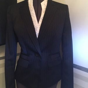 Le Suit Navy pin stripe size 4 waist length jacket